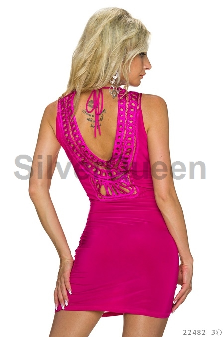ec9c1639f3a3 Fuchsia kjole med speciel ryg. Flot ...